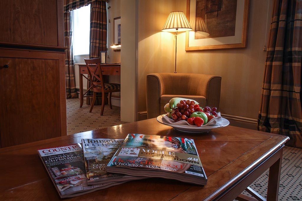 Apollo Hotel Deluxe Suite Lounge