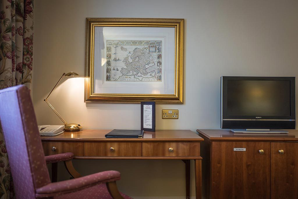 Writing Desk - Executive Double Room at Apollo Hotel Basingstoke