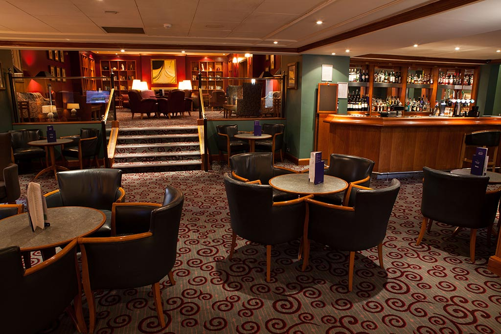 Apollo Hotel Library Bar