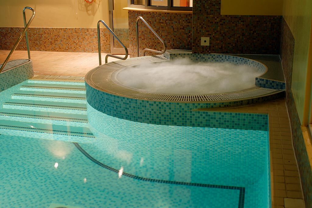 Spa Pool in Basingstoke at Apollo Hotel