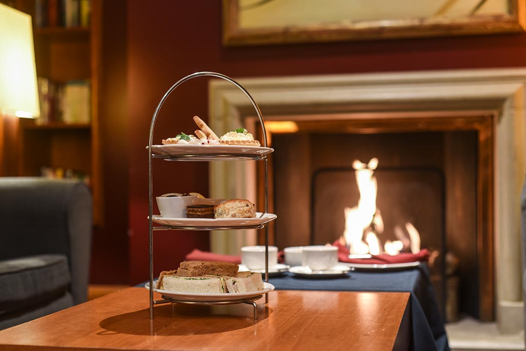 afternoon tea in basingstoke at the library bar, Apollo Hotel