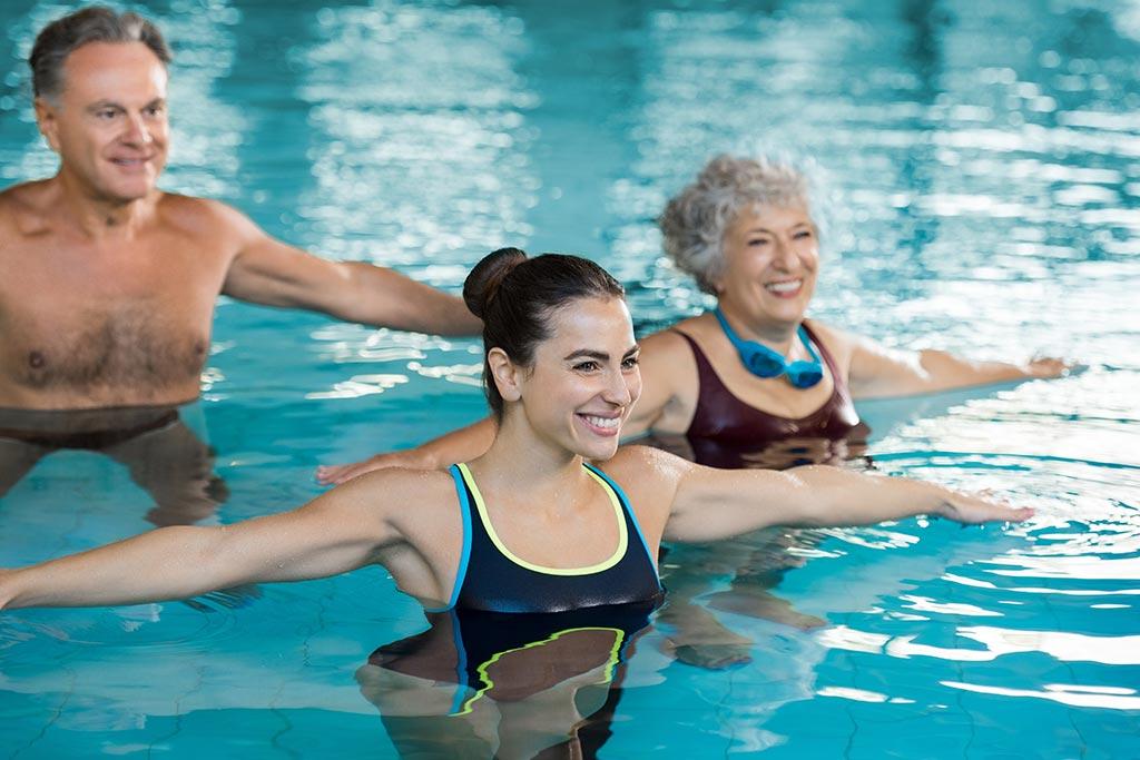 Swimming Pool in Basingstoke at Horizons in Apollo Hotel