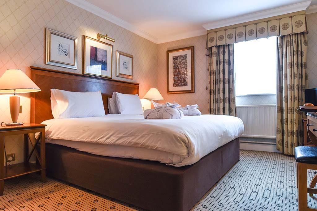 Hotel Bedrooms in Basingstoke at Apollo Hotel