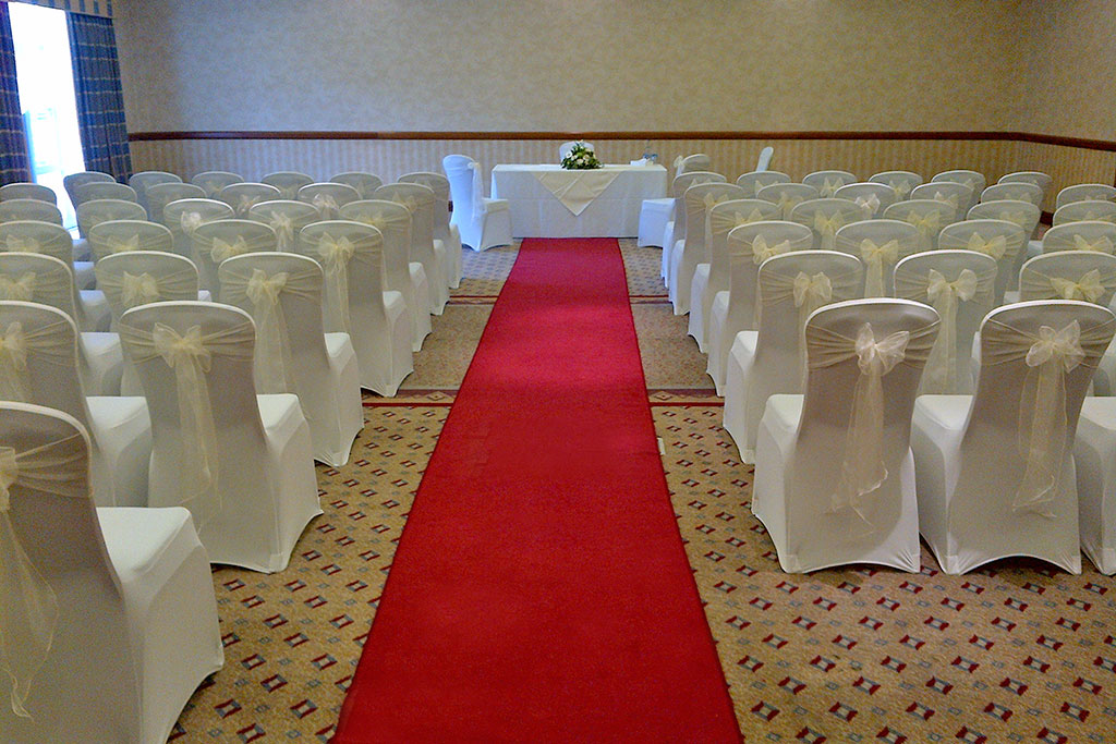 wedding ceremony at Apollo Hotel